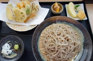 そば処 氏家 - 野菜天麩羅もり蕎麦(\950)