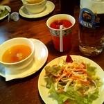 イル・パパトーレ - ランチのサラダとスープ(+\210)