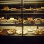 ビオン ハグカフェ - ケーキも豊富