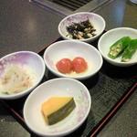 わいわい亭 - サービスの小鉢4品(焼肉注文の方に限り)