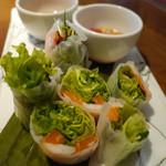 ローブ - 【海老とスモークサーモンの生春巻き】 ¥680