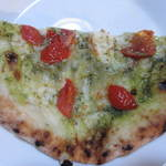 Sempre Pizza - ジェノベーゼ ハーフ380円