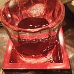 16382304 - 日本酒はなみなみ注いでくれます!