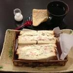 古今堂 - 料理写真:珈琲&ホットサンドイッチ(ツナ・ポテト)