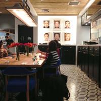 ビストロカフェ レディース&ジェントルメン-おしゃれな店内