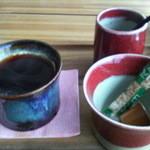 翡翠館 てんぐの蔵 - オリジナルブレンドコーヒー 350円(食事された方は300円)2012/12