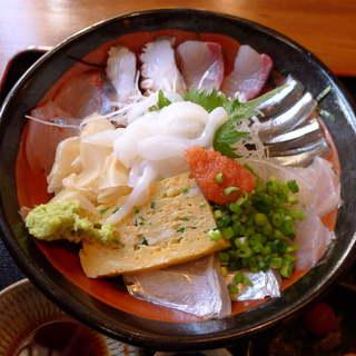 赤坂有薫 - 乗っけた魚にこだわりアリ! 九州・玄界灘の恵みを赤坂でいただく