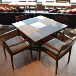 SEBRI - テーブル席