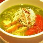 太陽のトマト麺withチーズ - 鶏パイタンスープとジェノベーゼ