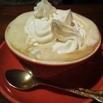 ジュリエ - ホイップたっぷりのウィンナーコーヒー 濃厚でハマります♪