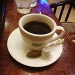ジュリエ - コーヒーは引き立てをサイフォンで煎れてくれます