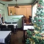 フレンド - クリスマスツリーも飾ってあります✿