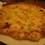 16400654 - ゴルゴンゾーラとくるみのピッツァ。