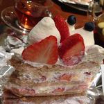 16402140 - 季節のケーキ「クイーン・オブ・ケーキ」