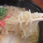 ラーメンハウス新治 - とんこつチャーシュー麺拡大