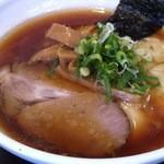 16404969 - 醤油えびわんたん麺+味玉