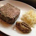 スタンディングワインバー アワ - 肉のテリーヌ。粗い食感が逆に好みです♪