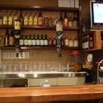 韓国家庭料理・鍋料理 宮 - 2012.12 小ぎれいな店内で、カップルも多かったです。