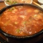 韓国家庭料理・鍋料理 宮 - 2012.12チゲ鍋、これにライスを頼んで〆でした。