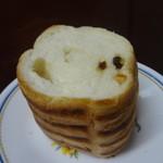 ブルク 手作りパン - ラムレーズン・オレンジラウンド1/4