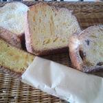 銀亭 - 人気のフレンチトーストシリーズ。中でもフランスパンのフレンチは定番で大人気です。
