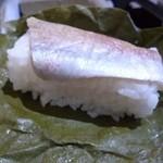 アプローズ - 2012.12 タイのお寿司、皮がやや硬めなので一口で行かないと:汗