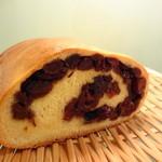 ボワブローニュ - 天然酵母のレーズンパンは週3日のみ