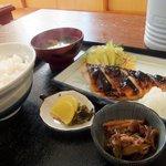 浜乃家 - 焼き魚定食(650円)。魚はサバの塩焼きでした。