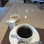 リストランテファンタジスタ - 最後はコーヒーかエスプレッソが選べます、私はこの日はコーヒーをチョイスです。