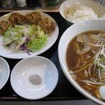 中華料理梅園 - ラーメンと唐揚げの定食