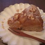 マトカ - 料理写真:甘煮りんごとキャラメルくるみケーキ 12/19