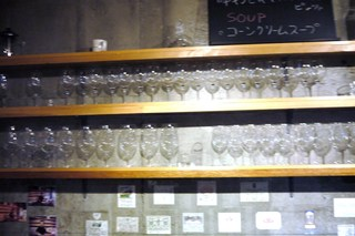 アウトレットワイン酒場 - カウンター正面です゚+.゚