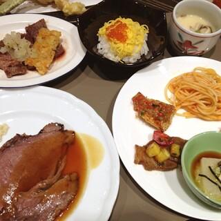 オールデイブッフェ コンパス - ローストビーフ、美味しい〜!