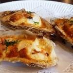 16433635 - 牡蠣のチーズのせオーブン焼き