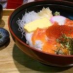16438853 - サーモンイクラ丼