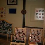 16440225 - 駅長たまちゃんの写真があり、椅子も可愛く居心地の良いカフェです。地産の果物のフレッシュジュースやジェラートガ頂けます。営業していない時は休憩所として使わせて貰えます。スタッフも感じ良いんです。