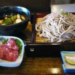 そば蔵 - 料理写真:鶏つくねつけ蕎麦~馬刺し付き(大盛)~☆