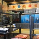 城見櫓 - 2012.11 店内の生け簀ではイカや魚たちが泳いでいます