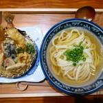 16446621 - 海老と野菜てんぷらのおうどん