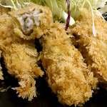 とき和 - とんかつ とき和 @志村坂上 サクサク食感の衣に包まれたレアな中ぶりの牡蠣