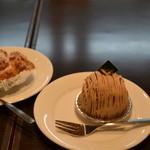 16451138 - シュークリームとモンブラン