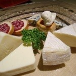 16451815 - チーズの盛り合わせ