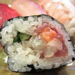房寿司 - こぼれ巻き(いろいろ鮮魚)