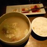 韓国料理 MUN - ソルロンタン