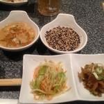 16462470 - 前菜、火鍋のタレ