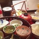 接方来 - たくさんの京都おばんざいを少しずつ堪能できるのがイイ!