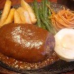 ブルドック - 手作りハンバーグステーキ(サラダ付) \1,200