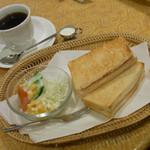 ヒマラヤのケーキ - クロックムッシュセット 420円