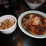 らぁめんの店 小櫻 - 小櫻麺と霜降りハーブのぶたごはん
