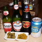 レストラン ザクロ - 2012.12 EFESのNormal(白)、Dark(黒)、Almaza、Celtia(各500円が半額の250円)